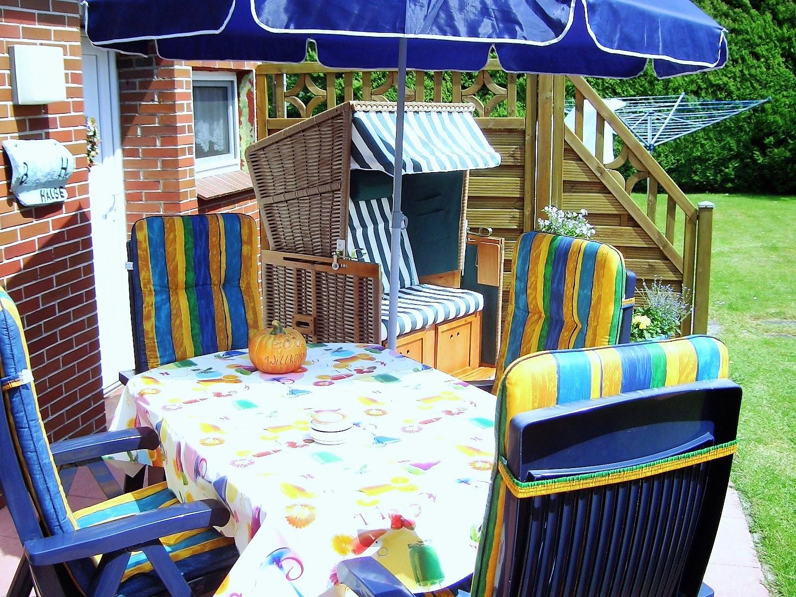 Foto von der Terrasse mit Sitzecke zum Entspannen