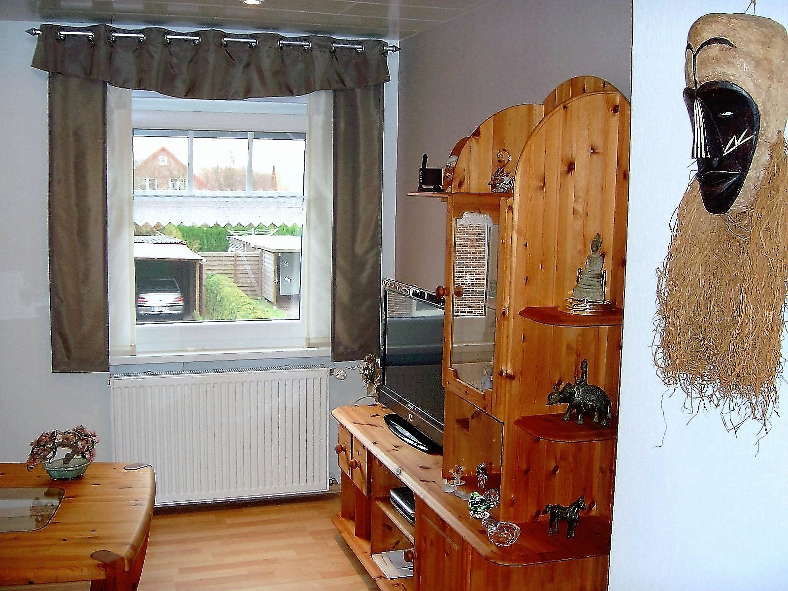 Foto Wohnzimmer mit Sat-LCD-TV