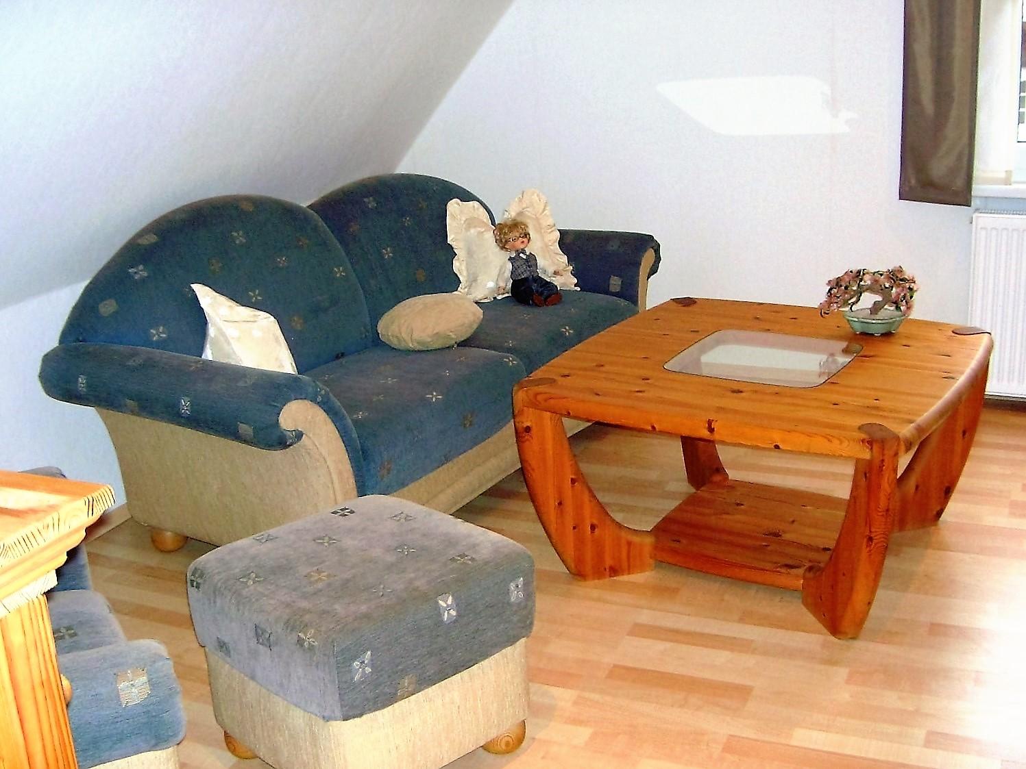 Wohnzimmer Sitzecke Mit Tisch
